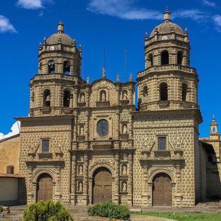 """Fraternidad San Antonio de Padua<br /> • Convento """"San Antonio de Padua""""<br /> • Santuario de la Virgen de los Dolores de Cajamarca<br /> • Museo de Arte Religioso de """"San Francisco""""<br />"""