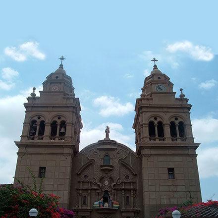 """Fraternidad San Antonio de Padua<br /> • Parroquia """"San Francisco de Asís""""<br /> • Centro Médico """"San Francisco""""<br /> • CETPRO """"Santa Ana"""""""