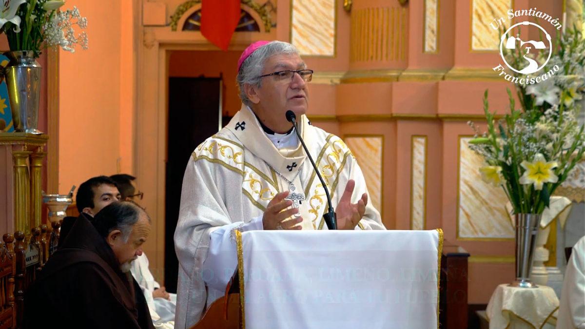 """""""Peruano, peruana, limeño, limeña, sé tú un milagro para tu pueblo"""" – Mons. Carlos Castillo"""