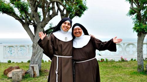 Hermana María de la Paz y Hermana María del Carmen