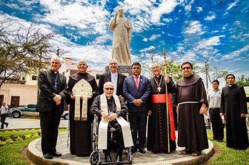Inauguración del Monumento al Cardenal Juan Landázuri Ricketts