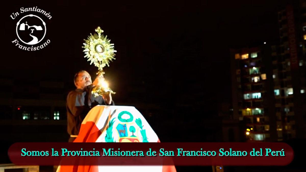 Exposición y Adoración al Santísimo