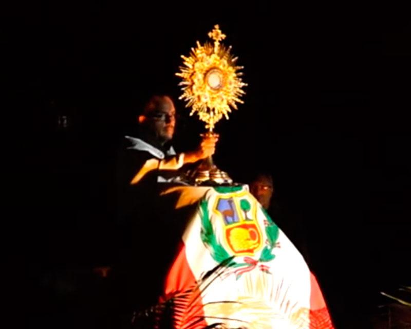 Exposición y Adoración al Santísimo – Domingo de Ramos