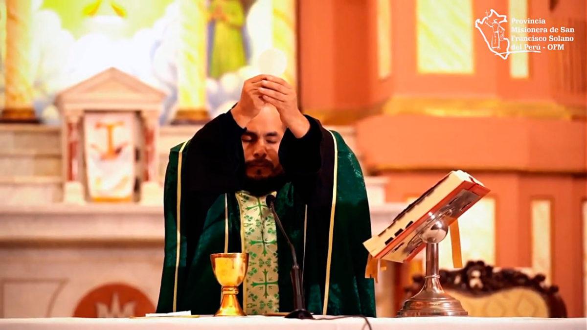 Santa Misa celebrada en la Parroquia Nuestra Señora de los Ángeles