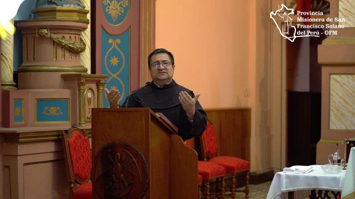 Un Santiamén Franciscano: Jesucristo en el altar