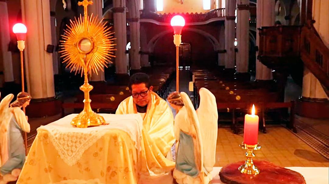 Jueves Santo: Hora Santa en La Recoleta – Arequipa